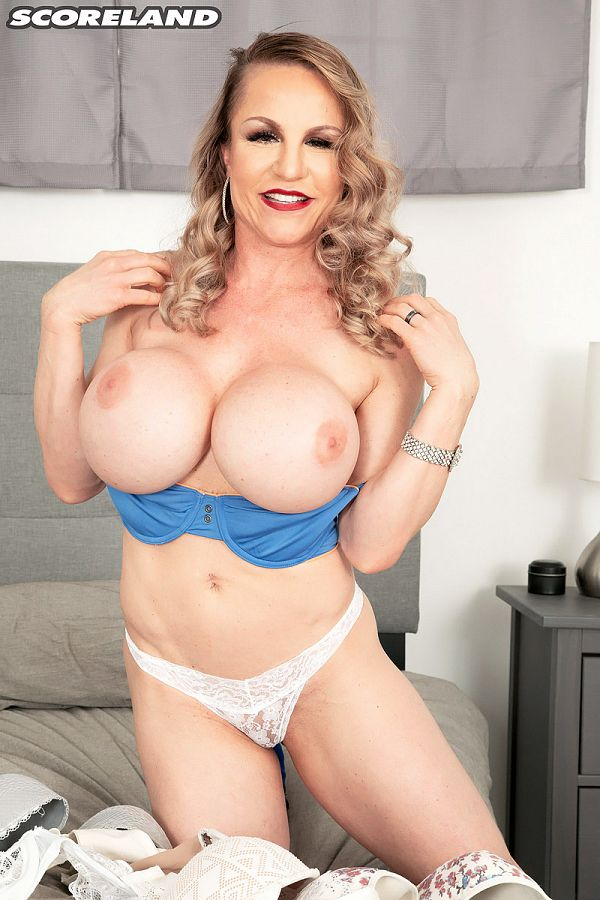 lilly bordeaux busty blonde